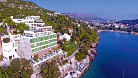 Пронајдена мртва девојка на познато летувалиште во Хрватска- телото пловело во морето покрај хотел