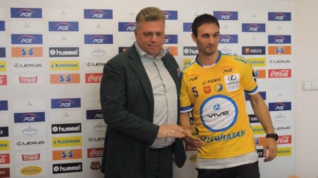 ВИДЕО: Игор Карачиќ го облече дресот на Киелце, но не го заборави и Вардар
