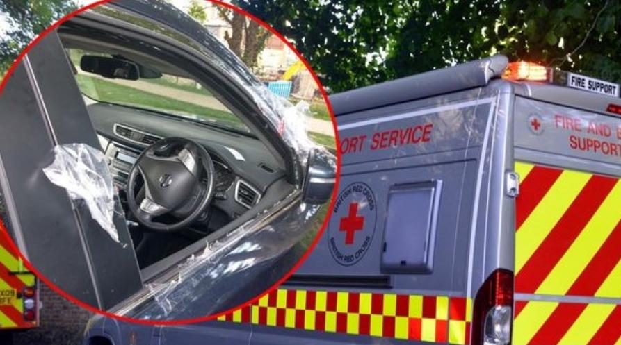 Мајка отишла на шопинг, бебето го оставила во автомобил: Пожарникарите го спасуваа од дехидрација, а нејзиното однесување е ужасно