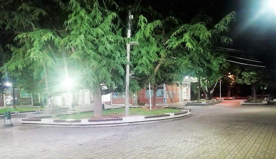 Ново осветлување во трговскиот центар во населбата Лисиче (ФОТО)