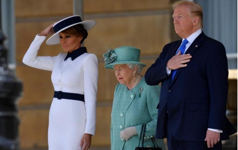 Уникатен подарок од Меланија Трамп за кралицата Елизабета: Ова парче вреди 880 долари