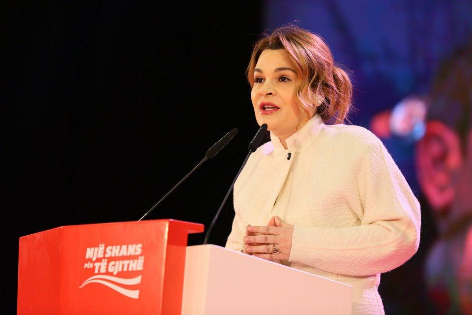 Сопругата на албанскиот претседател негира дека влијаела врз одлуката на Мета да ги одложи изборите