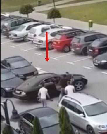"""Стружанец нападнат на паркинг- со шипки му го искршија луксузниот """"Мерцедес"""", но тука не е крајот, туку почетокот на настанот (ВИДЕО)"""