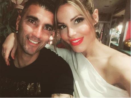 """ВИДЕО: Сопругата на фудбалерот кој загина во сообраќајка со емотивно видео- """"Чекај ме, ќе бидеме заедно"""""""