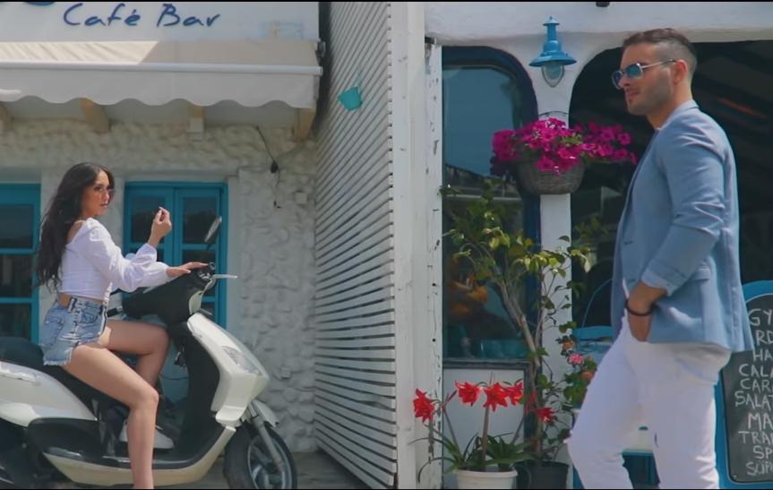 Пристигна голем хит за ова лето: Ристе Ристески со нова песна, одличен спот на пејачот со згодни девојки (ВИДЕО)
