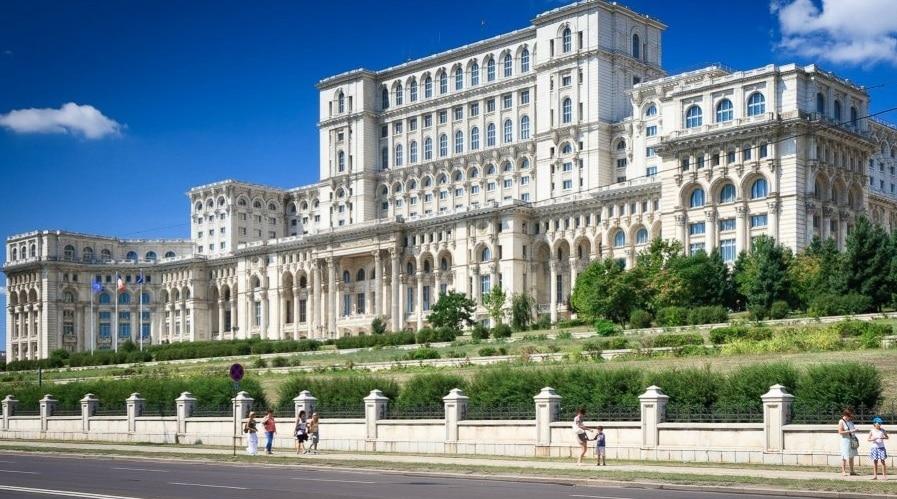 Владата на Романија преживеа гласање за недоверба