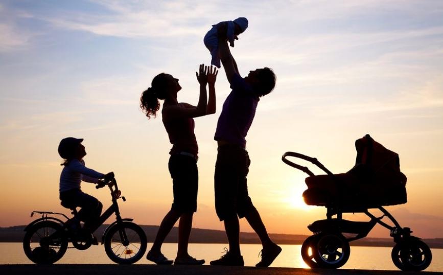 Убави цитати за семејството: Во она семејство каде има љубов, сѐ може да биде простено