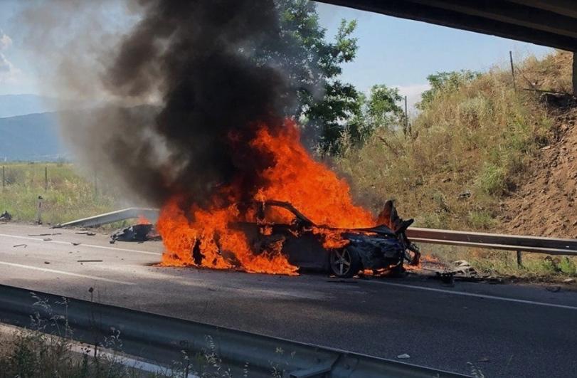 МВР со детали за вчерашната сообраќајка: Две лица загинаа, еден од нив е полициски службеник