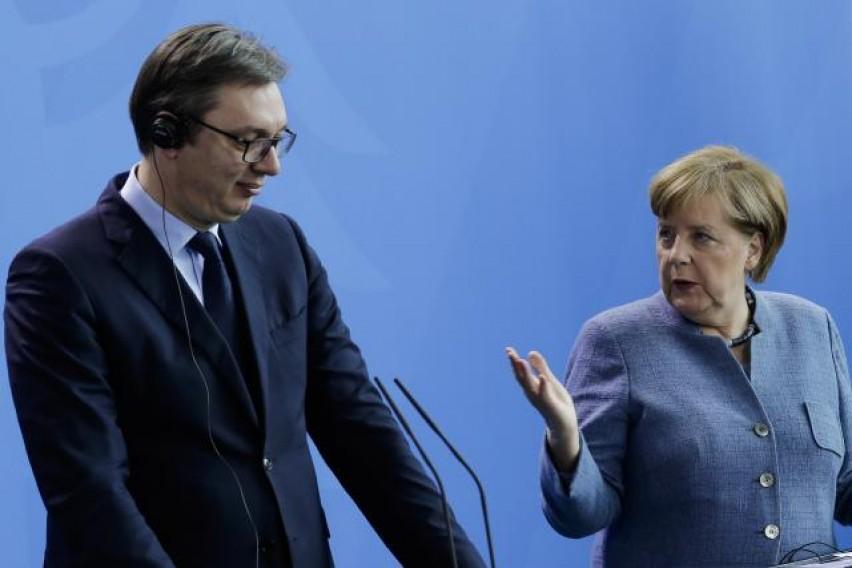 Вучиќ-Меркел: За надминување на застојот во дијалогот потребно е укинување на таксите на Приштина