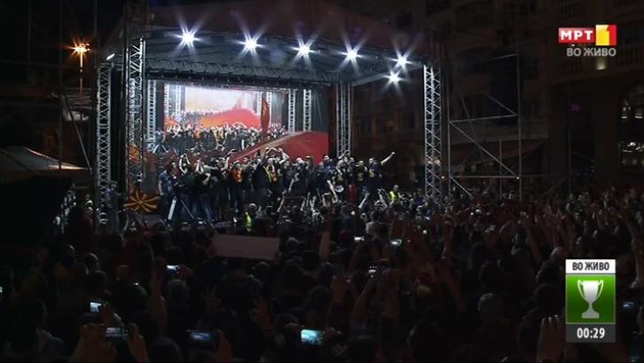 """""""Столе ти си наша икона"""": Народот се поклони пред капитенот на шампионите"""
