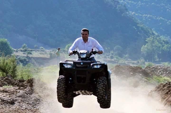 ВМРО-ДПМНЕ: Криминалот владее, а Заев се вози на мотор и се сонча на плажите во Грција