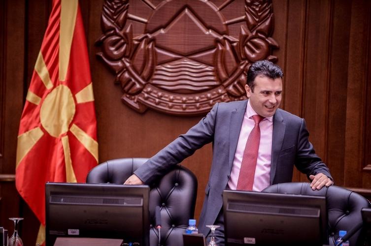 АНКЕТА: Тоне довербата на Владата на Заев кај граѓаните- судството, корупцијата и надворешната политика не добија преодна оценка