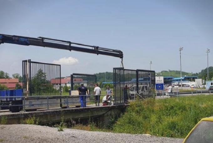 Хрватска ги следи чекорите на САД, со ѕид ќе се штити од мигрантите