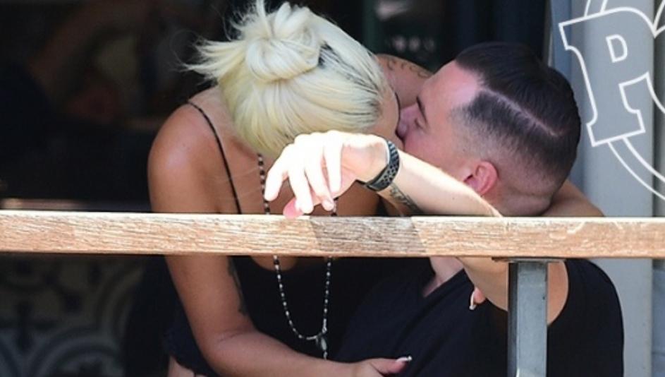 Лејди Гага има ново момче: Овие бакнежи ставија крај на гласините за Бредли Купер (ФОТО)