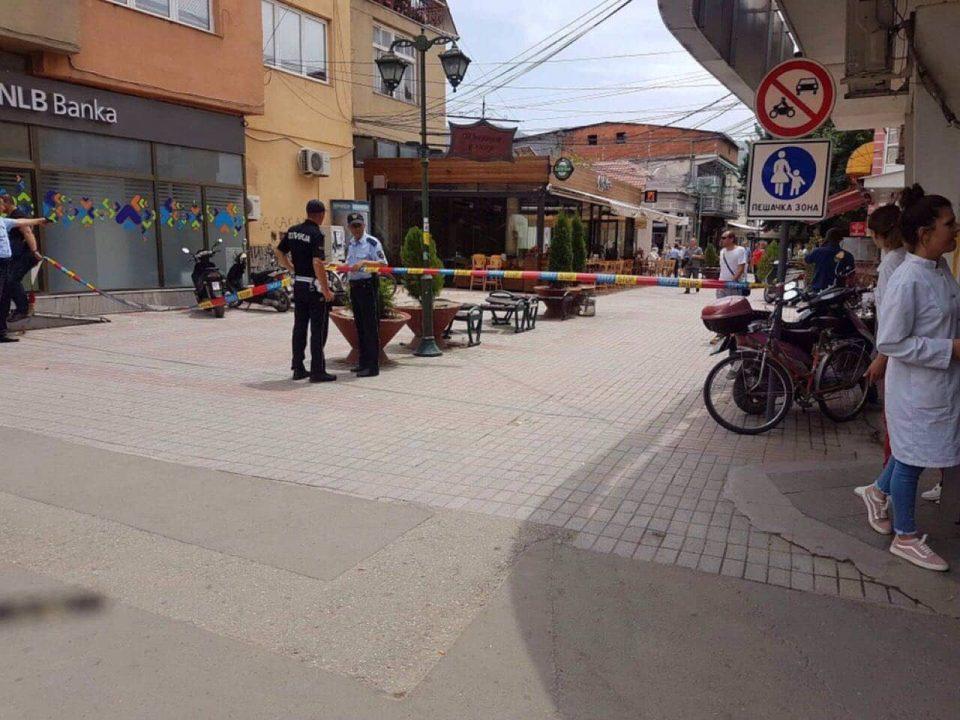 ФОТО: Ова е рачната бомба која се уште не експлодирала пред кафуле во Прилеп