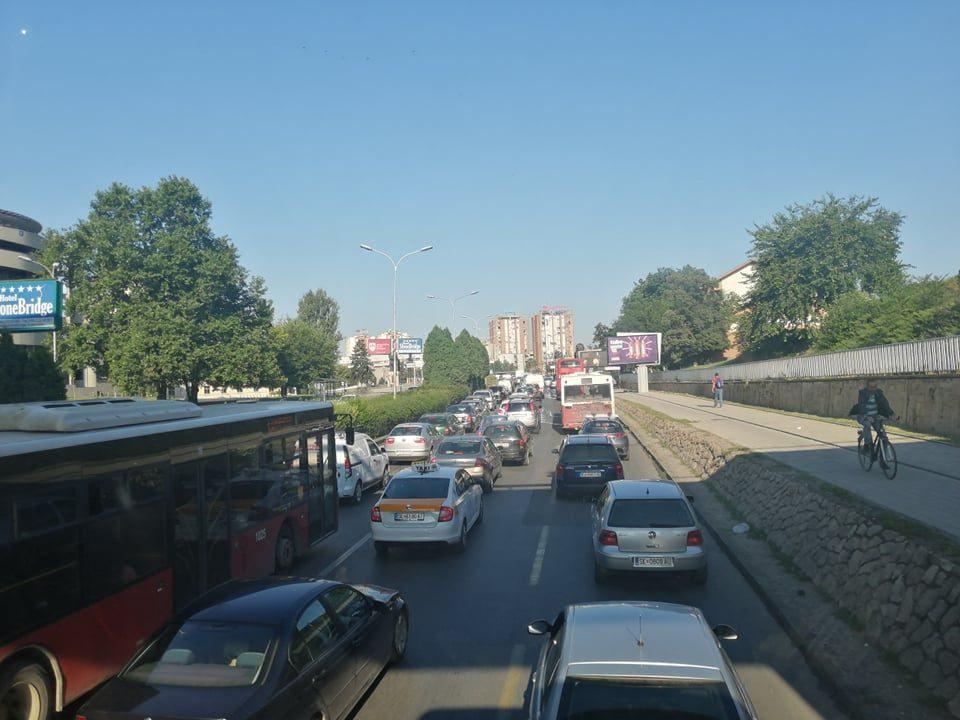 Хаос и утрово во Скопје: Избегнете го овој патен правец за да не заглавите во сообраќај (ФОТО)