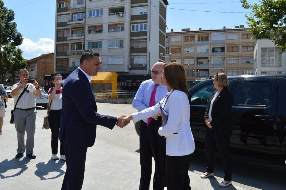 Филип Рикер и амбасадорката на САД во Македонија на средба со Митко Јанчев