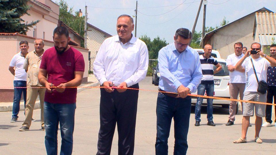 Реконструирани две улици во општина Петровец- градоначалникот Митевски заедно со Мицкоски и Трипуновски извршија увид
