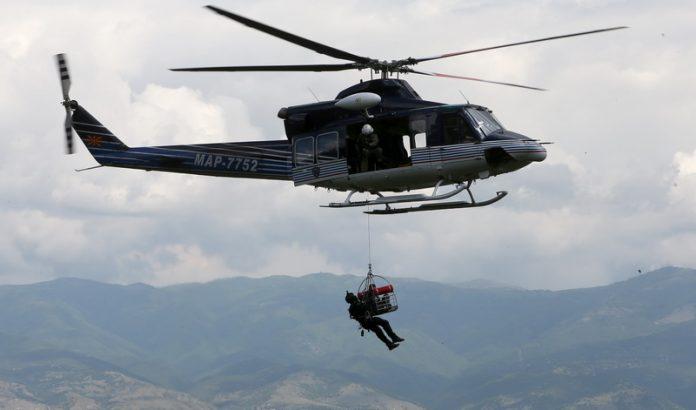 Тигрите со хеликоптер извлекувале 15-годишно девојче заглавено на Селечка Планина кај Прилеп