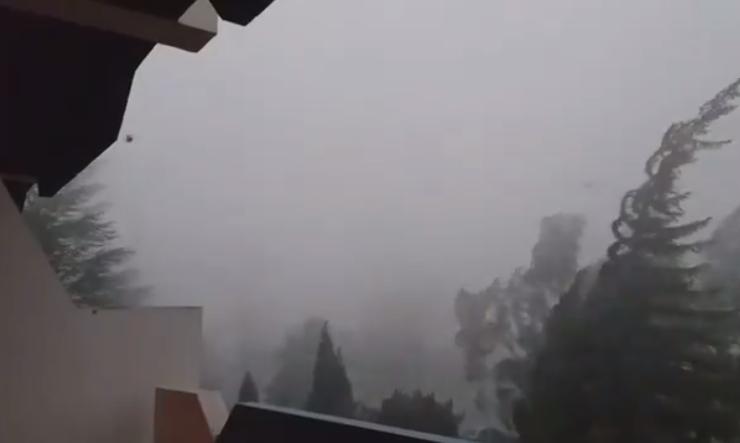 Ураганско невреме во Преспа: Ништо не е поубаво, но и пострашно од природата во исто време! (ВИДЕО)