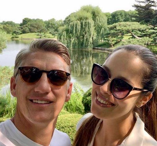 Трудничкото стомаче се повеќе расте- Ана Ивановиќ не издржа и се пофали како изгледа во бременоста во тесна спортска маичка (ФОТО)