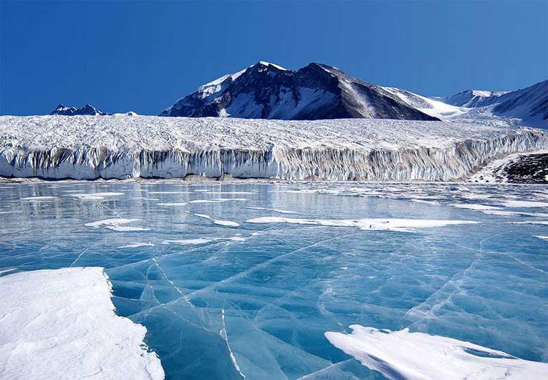(ВИДЕО) Откритие на британски научници: Езеро од лава на Антарктикот