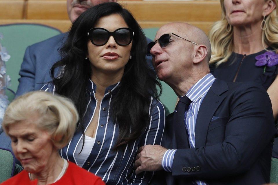 Најбогатиот човек на светот ја потврди врската со атрактивната Лорен (ФОТО)