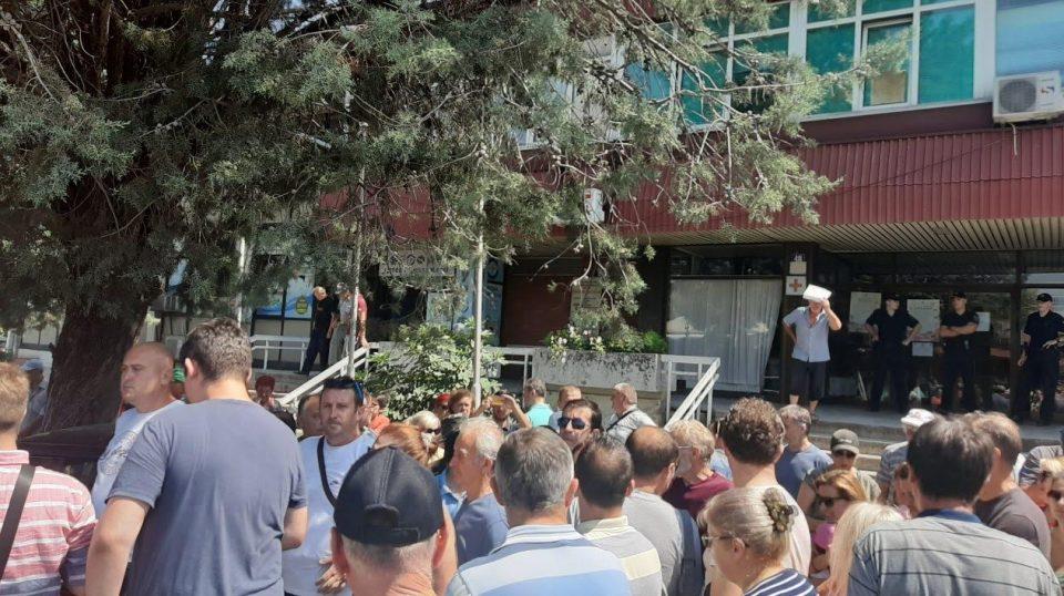 Граѓаните од Ченто на нозе: Нема да дозволат зависиците да се лекуваат во нивната населба
