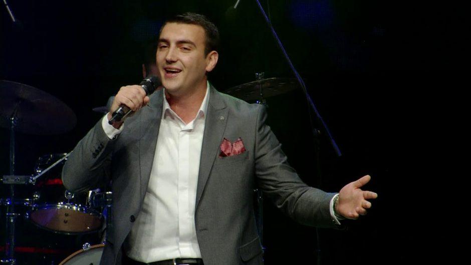 Дамјан Стојаноски запеа: Никогаш Северна