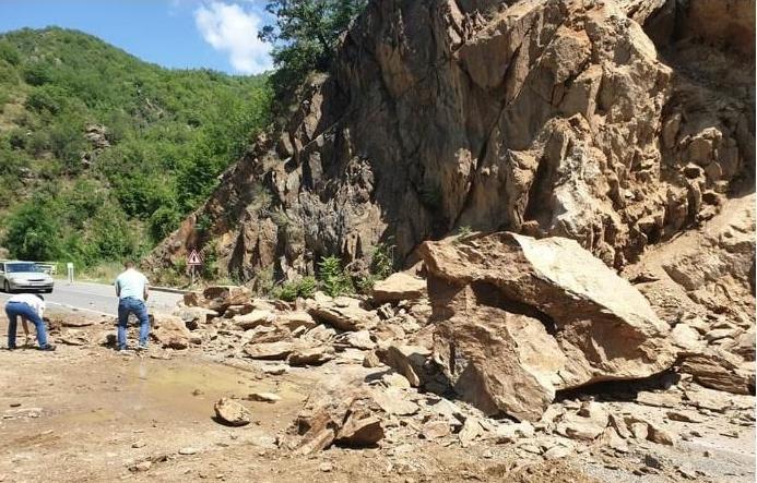Лагите на СДСМ за малку ќе чинеа човечки живот: Патниот правец Кочани – Македонска Каменица и по две години небезбеден