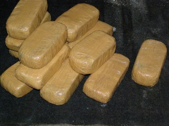 Запленета дрога во возило на МВР на албанско-црногорската граница
