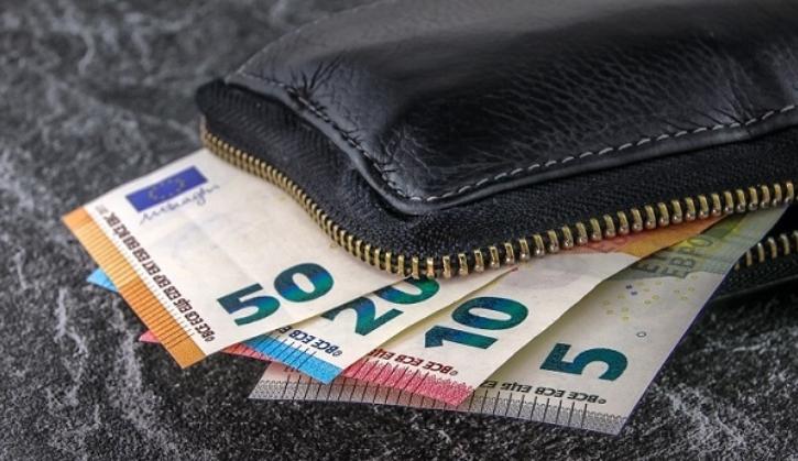 Експерти: Банкнотите не се особено ризични за пренесување на коронавирус