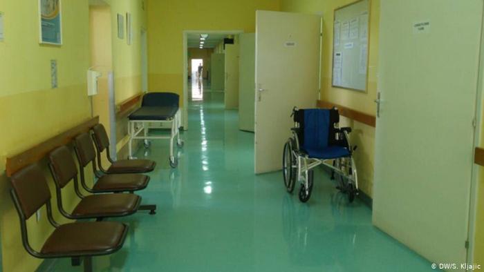 Тешко повредените во сообраќајката кај Лакавица пренесени во Клиничката болница во Штип