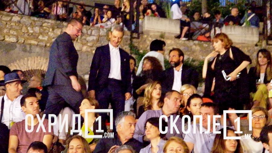 """(ВИДЕО) Мицкоски на отварањето на """"Охридско лето"""" без протоколи"""