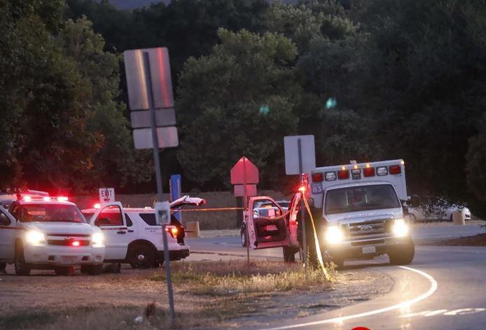 ВИДЕО: Вооружен напад во Калифонија, пискотници и бегање на сите страни