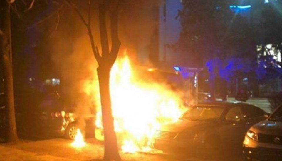 Брутална одмазда: Го фатила сопругот со љубовницата, па им го запалила автомобилот додека биле во него
