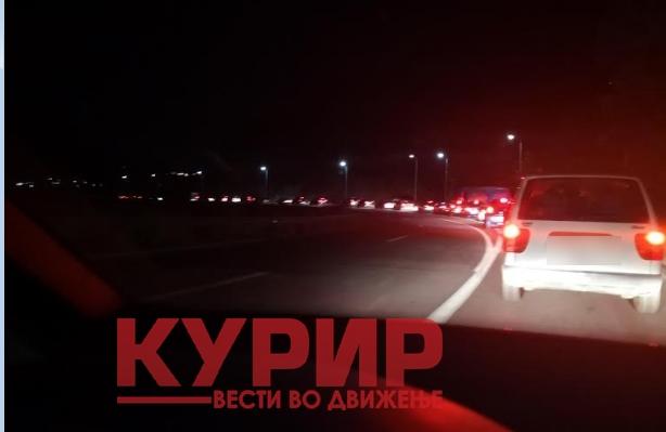 Километарски колони од Стража кон Гостивар: Полиција нема, граѓаните кои возат не се безбедни поради несовесните возачи