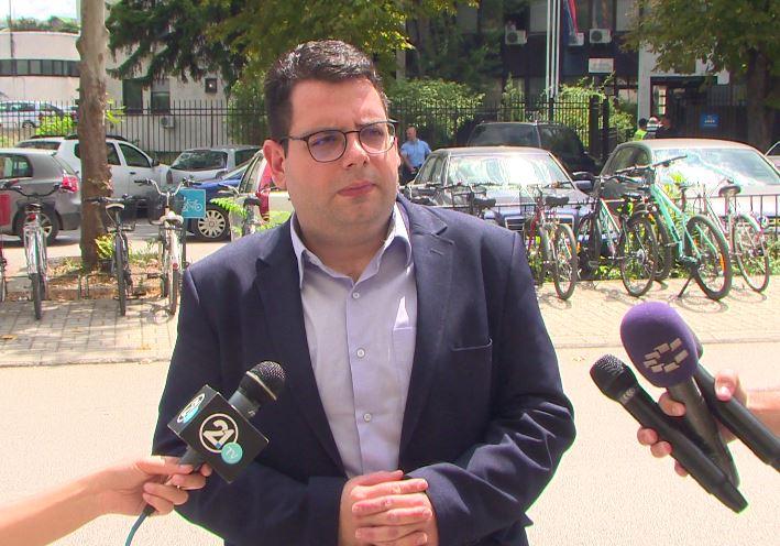 Новинарот Љупчо Златев на распит во МВР за случајот со Рашковски: Власта наместо да ги гони оние кои прават криминал, ги гони тие кои откриваат