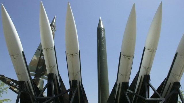 НАТО случајно ги објави точните локации на 150 нуклеарни боеви глави во Европа