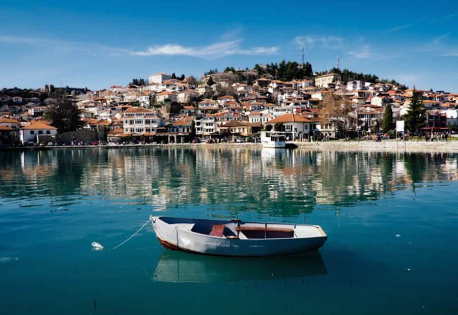 Во Охридско Езеро фатени над 100 килограми марихуана