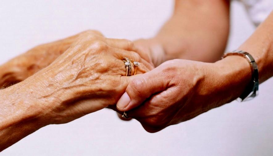 За оние чие срце е распарчено по загубата: Како се живее без мајка?