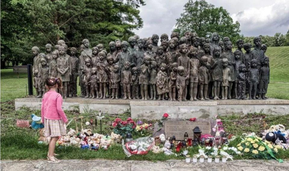 Овој споменик ги раскажува најѕверските злосторства: Ужасна приказна за смртта на 82 деца (ФОТО)