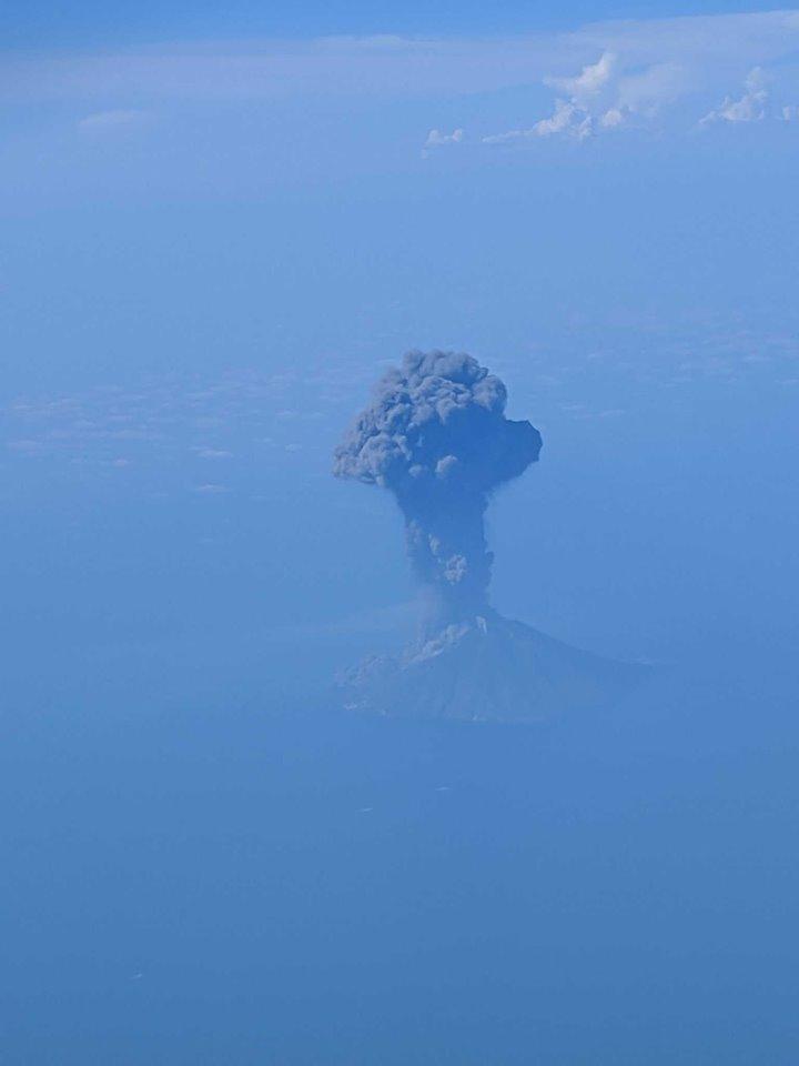 ФОТО: Неверојатни фотографии од ерупцијата на вулканот Стромболи