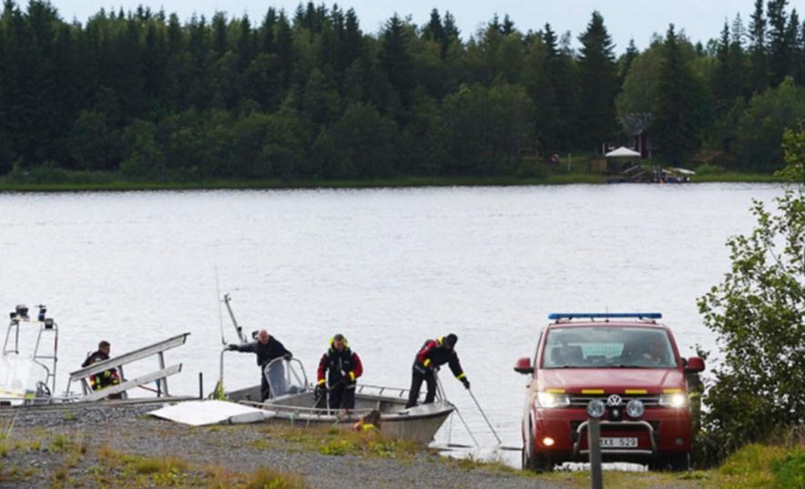 Деветмина загинати при пад на мал авион во Шведска