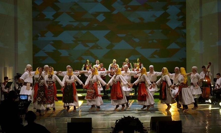 """Симбол на македонскиот фолклор: """"Танец"""" со настап во Прилеп"""