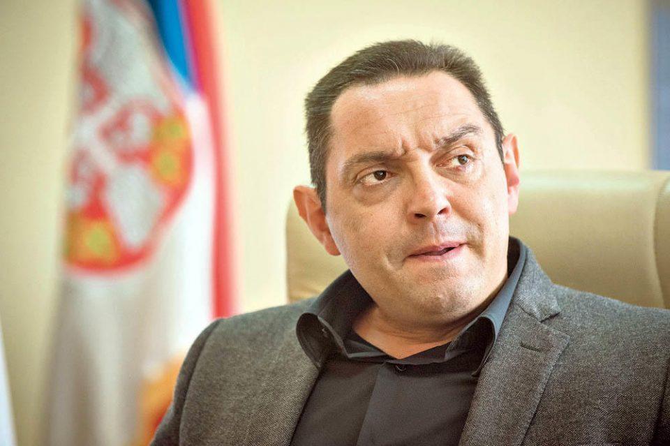 Српскиот министер за одбрана: Нема независно Косово и точка!