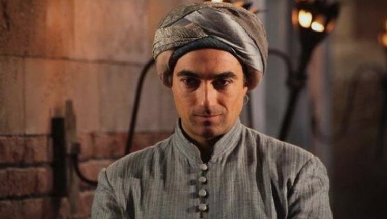 """Сите го знаете како Зумбул-ага од """"Величенствениот"""": Кога ќе ги видите неговите најнови објави нема да верувате дека е тој (ФОТО)"""