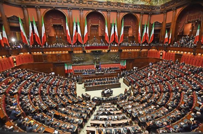 Седница на италијанскиот Сенат за недоверба на Владата