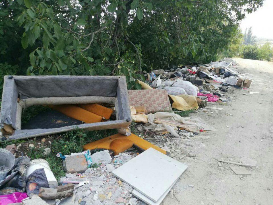ФОТО: Драчево се дави во ѓубре- граѓаните реагираат, општината не