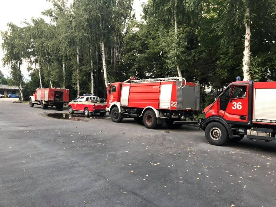 ФОТО: Пожарникарите од Скопје пристигнаа на помош во Велес